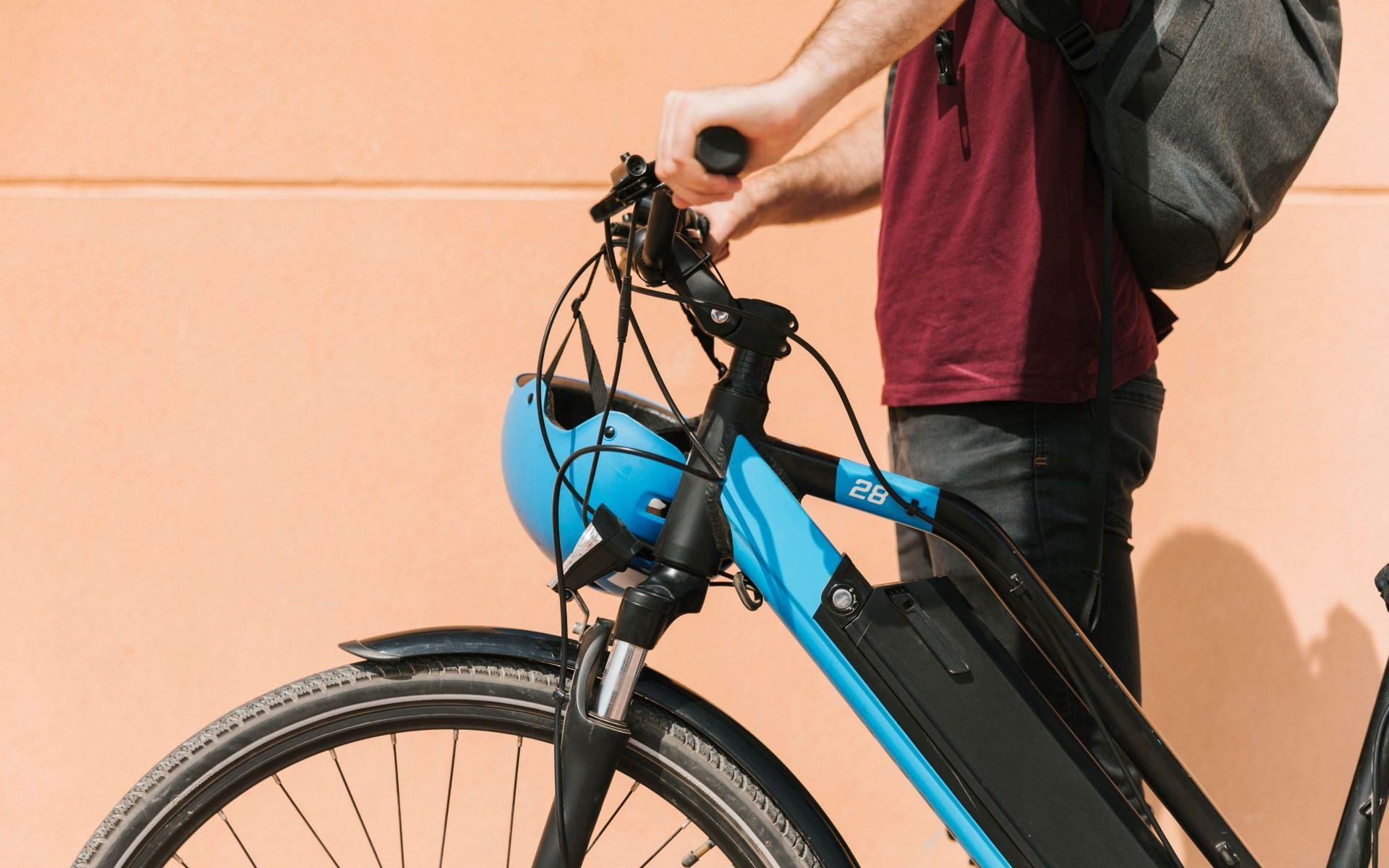 Fahrrad mit eingebautem Rückenwind